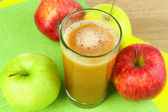Healthy fresh juice of apples close up — Foto Stock