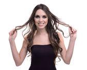 美丽的年轻女子,孤立在白色的长头发 — ストック写真