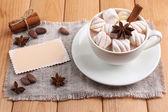 Kubek gorącej czekolady z pianki — Zdjęcie stockowe