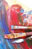 Farben, Pinsel und Kunst Palette Nahaufnahme — Stockfoto