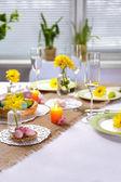 Schönen Urlaub Ostern Tabelleneinstellung — Stockfoto