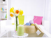 Beautiful spring flowers in vase on home interior background — Foto de Stock
