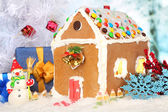 Beautiful gingerbread house with Christmas decor — Stockfoto