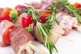 Raw pork kebab with rosemary close up — Foto de Stock