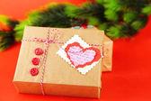 Papier-Geschenk-Boxen auf farbigem Hintergrund — Stockfoto