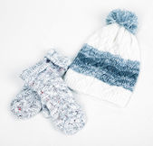 Winter cap and mittens — Stock Photo