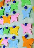 Handgemaakte garland op kleur achtergrond — Stockfoto
