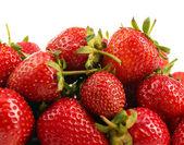 červené zralé jahody, izolované na bílém — Stock fotografie