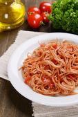 番茄酱通心粉上盘上的表特写 — 图库照片