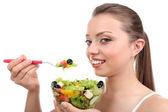 新鮮なサラダと美しい少女 — ストック写真