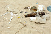 Garbage on the beach — Stock Photo