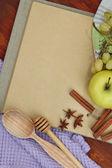 Concetto di cucina. generi alimentari con ricettario vuota da vicino — Foto Stock