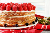 Tasty cake with fresh berries, close up — Stock Photo
