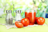 Tomato juice in glass — Stockfoto
