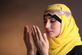 Beautiful muslim arabic woman praying — Stockfoto