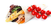 Veggie wrap filled with chicken and fresh vegetables — Stock Photo