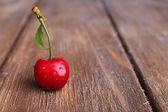 Ripe sweet cherry — Stock Photo