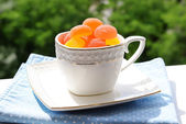 Jelly candies in cup on table close-up — Stock Photo