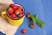 Ripe sweet strawberries — Stock Photo