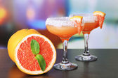 Grapefruit cocktail in glasses — Stock Photo