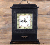 Retro clock and books — Stock Photo