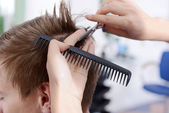 Young man in beauty salon — Stock Photo