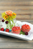 Tasty cupcakes — Stock Photo
