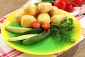 Genç haşlanmış patates — Stok fotoğraf