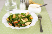 Salad with spinach, apples, walnuts and cheese — Stock Photo