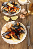 Tasty noodles with mussels — Foto Stock