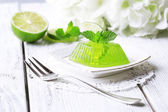 Green jelly with mint — Stockfoto