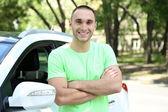 Adamın yanında araba — Stok fotoğraf