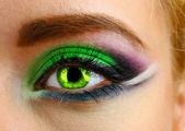 Beautiful eye with bright make-up, close up — Stock Photo