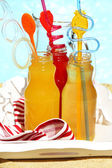 Delicious cocktails on beach — Stockfoto