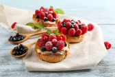 Sweet cakes with berries — Stock Photo