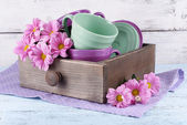 Bright dishes with flowers — Foto Stock