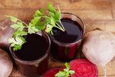Glasses of fresh beet juice — Stock fotografie