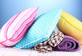Plaids et coussins de couleur — Photo