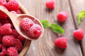 Ripe sweet raspberries — Stock Photo