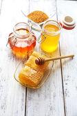 Fresh tasty honey — Stock Photo
