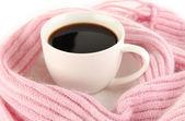 スカーフのクローズ アップとコーヒーのカップ — ストック写真