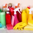 ������, ������: ��� Cleaning products on shelf
