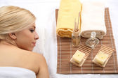 Beautiful young woman having relax in spa salon — Stock Photo