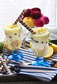 Tasty lemon desserts. close up — Stock Photo