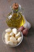 Fresh sliced garlic — Stock Photo