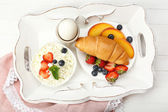 Delicious breakfast with fresh croissant, egg and cottage cheese  — Stock Photo
