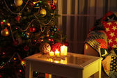 Cozy Christmas interior with decorated Christmas tree — Photo