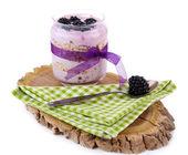 Yogurt with blackberries and muesli — Stock Photo