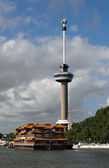 Euromast and Chinese hotel in Rotterdam — 图库照片