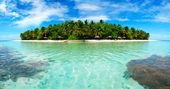 Island in the Maldives — Stock Photo